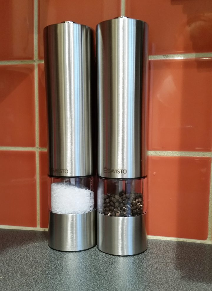 Savisto electronic salt and pepper mills